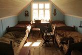 А это уже более современная комната