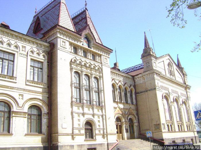Рыбинский государственный историко-архитектурный и художественный музей-заповедник радует посетителей разнообразными выставками