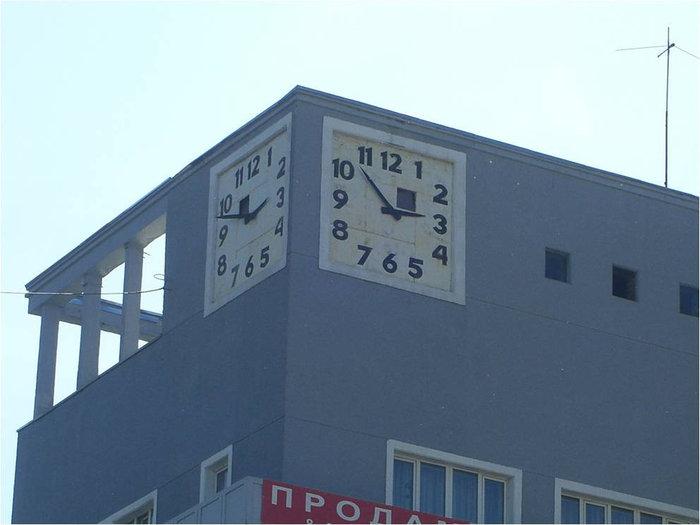 Часы в приближении