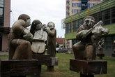 скульптурная композиция в парке Ходонина