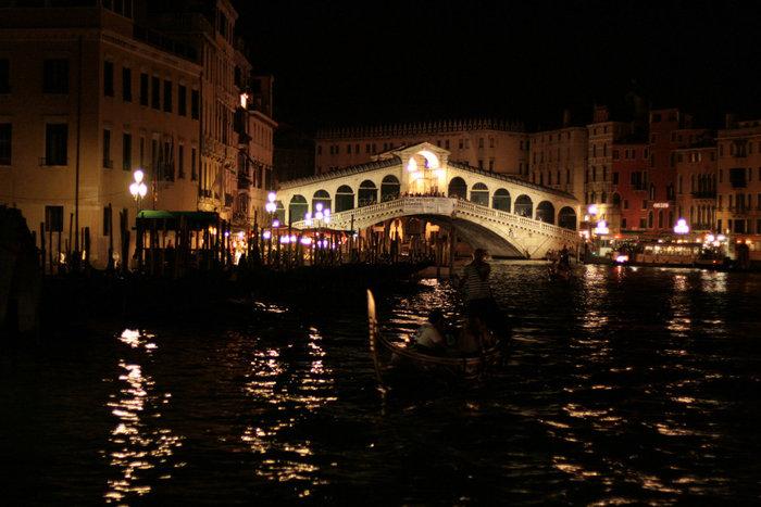 италия фото ночью