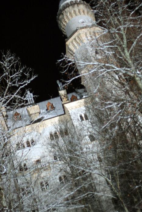 вид из окна номера на замок Нойшванштайн