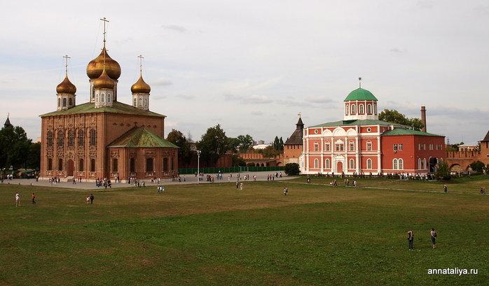 Успенский и Боявленский соборы в Кремле