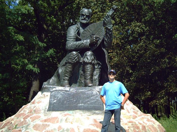 Памятник Остапу Вересаю