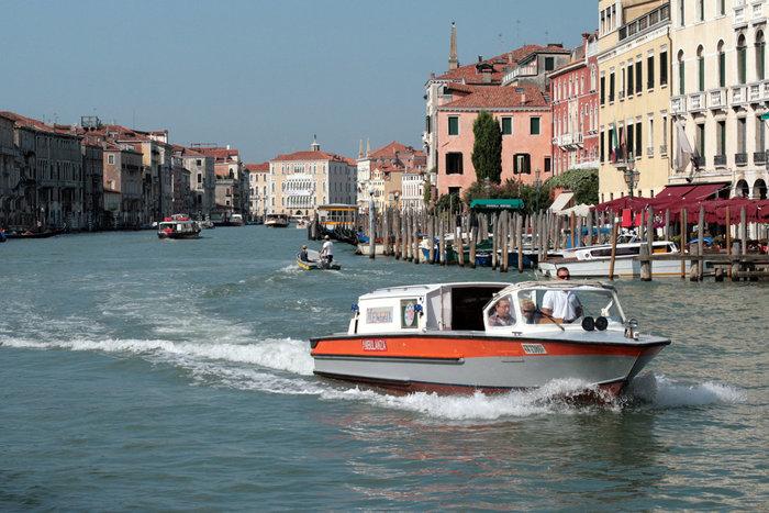 италия венеция лодки