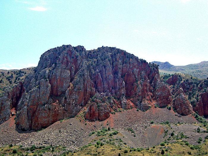 Скалы у монастыря Нораванк