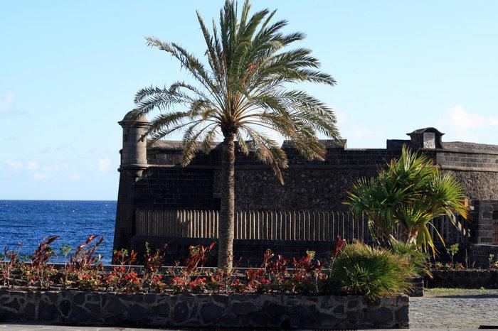 замок в Санта-Крус