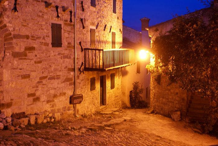 Ночь в Хуме