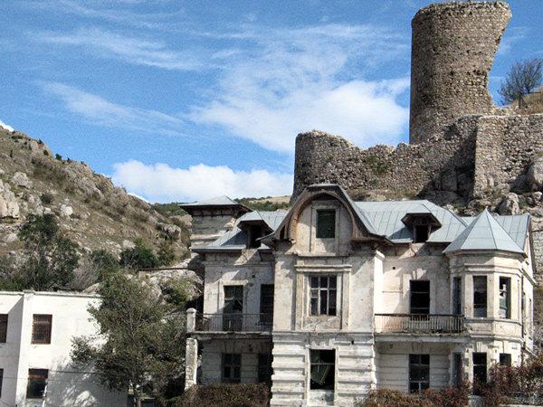 особняки и крепость