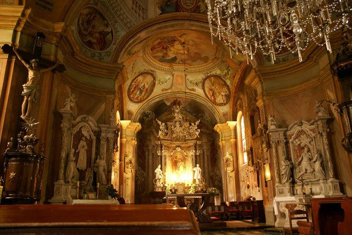 В старой францисканской церкви в Загребе