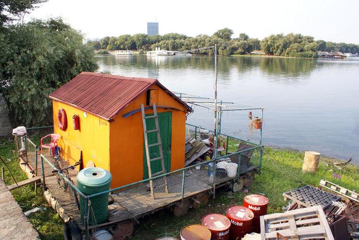 Домик на реке Сава — недалеко от ее впадения в Дунай