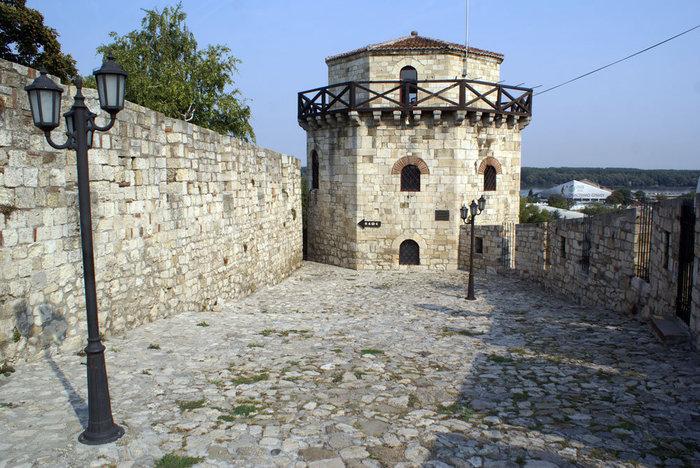 Угловая башня Белградской крепости