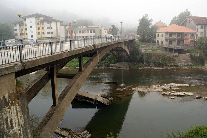 Мост в поселке Биело Поле