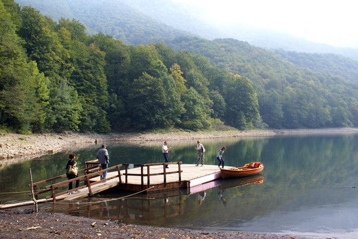 Озеро в нацпарке Биоградска гора