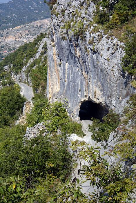 Дорога в монастырь Острог