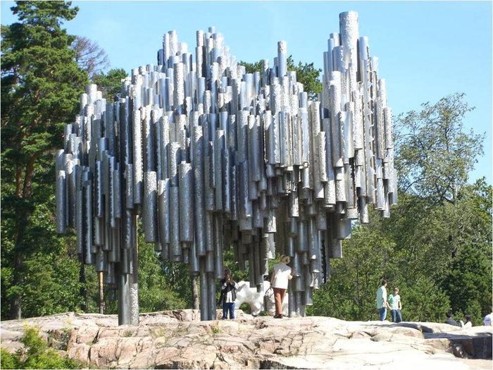 Монумент из стали