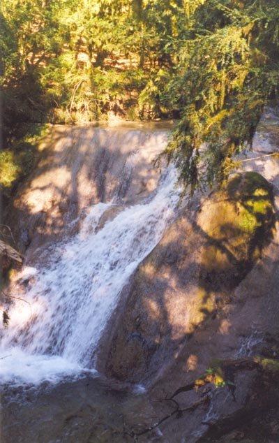 16 водопад — 4 м