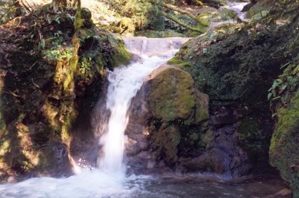 24 водопад — 2 м
