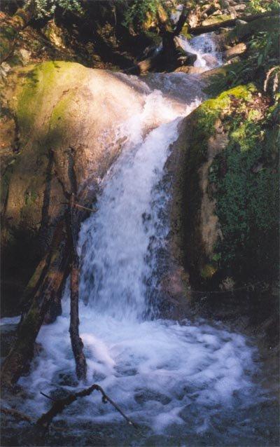 32 водопад — 2 м