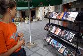 Албанцы очень любят книги. Буквально на каждом шагу книжные киоски и мини-библиотеки