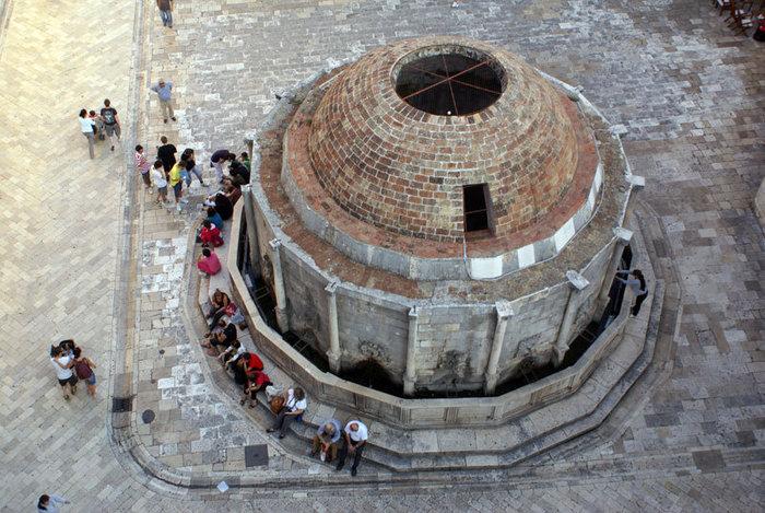 Большой фонтан — вид с крепостной стены