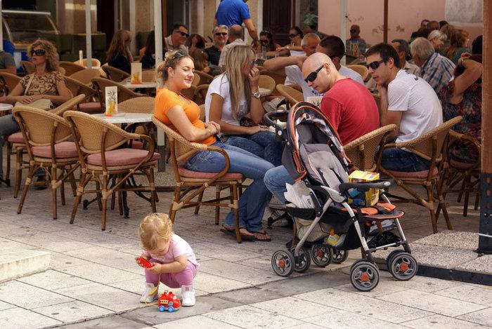 В кафе на площади, Сплит