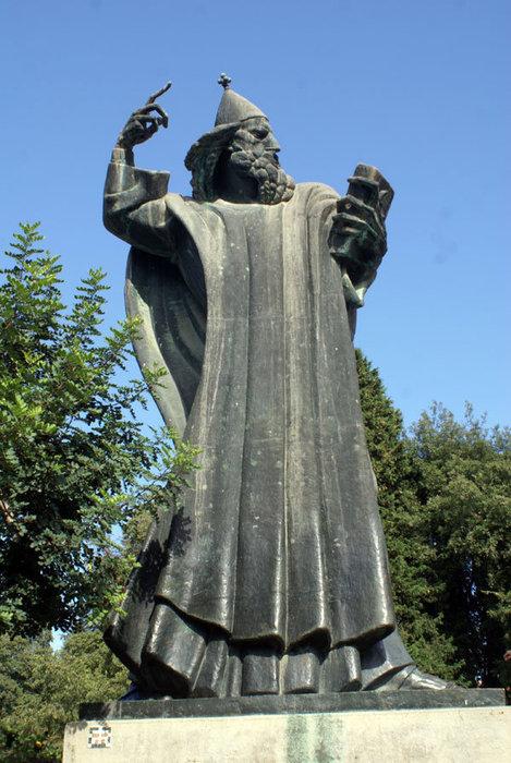 Памятник Святому Григорию Нисскому