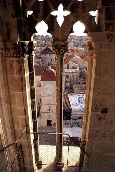 Вид на Трогир из колокольни собора