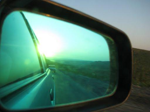 Практически в каждой машине можно заподозрить боевиков. По республике ездит много машим с затемненными стеклами и без номеров.