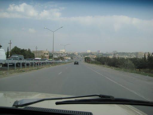 До Баку 10 км