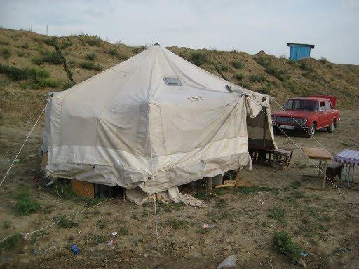 Нелегальный бар в палатке-шатре