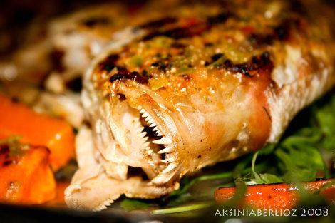 вот что подают в местных рыбных ресторанчиках