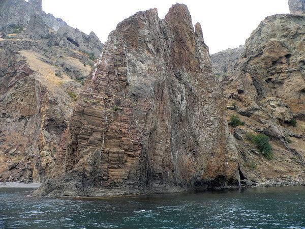 Причудливые скалы Карадага