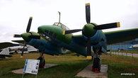 Фронтовой бомбардировщик Ту-2. Был разработан в 1941 году, а затем был признан лучшим бомбардировщиком Второй Мировой. На нем летали известные летчики Скок, Лебедев и Белый.
