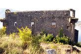 Разрушенная церковь в Перасте