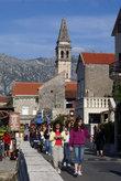 Туристы в Перасте
