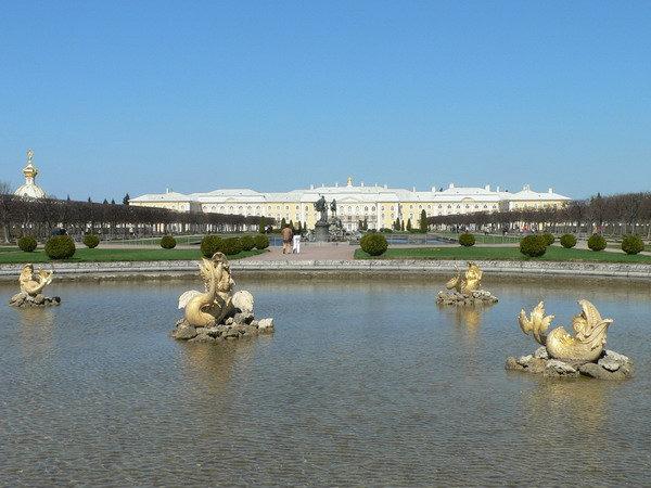 Вид на дворец из Верхнего парка