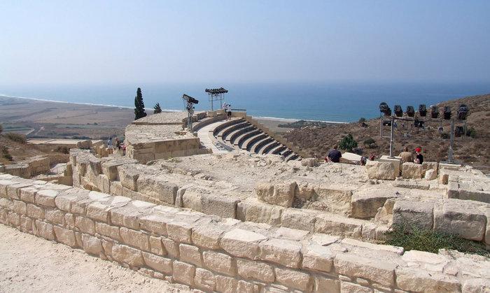 развалины древнего театра