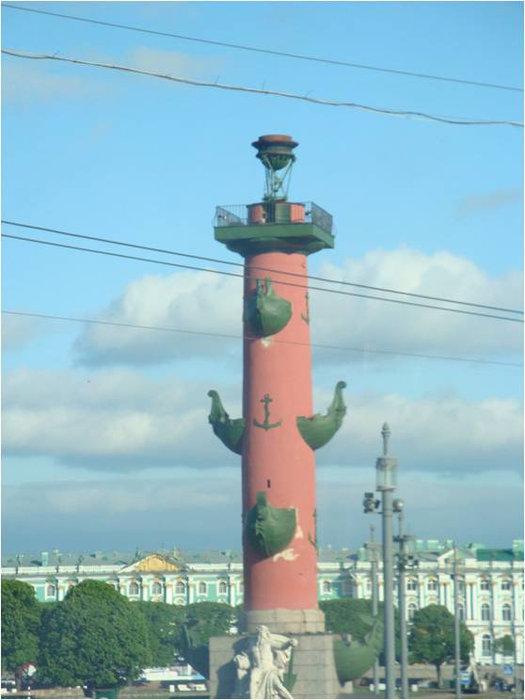 Одна из колонн