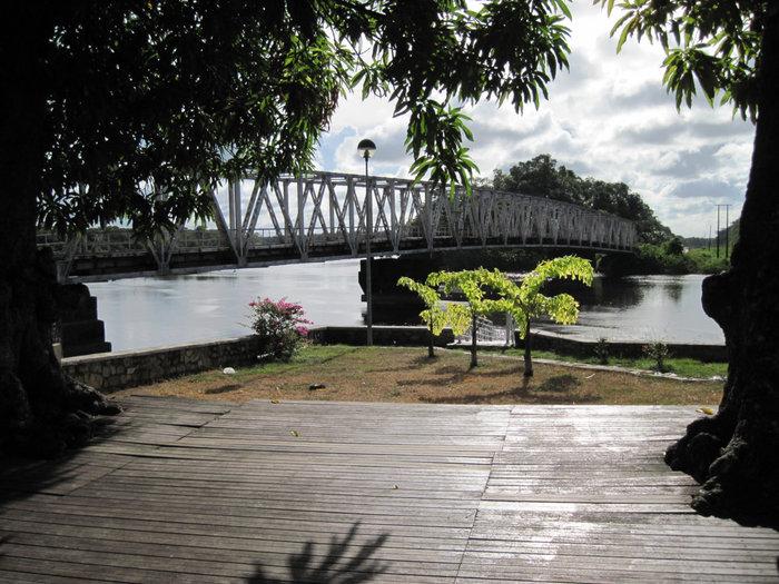 Самый живосписный вид городка Синнамари, Французская Гвиана