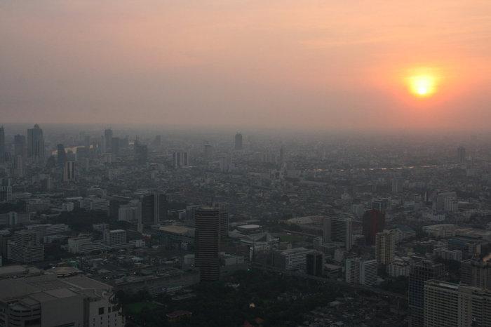 вид на Бангкок с Baiyoke Sky Hotel