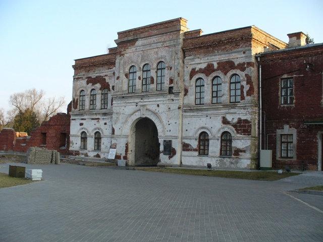 41. Холмские ворота (со стороны крепости)