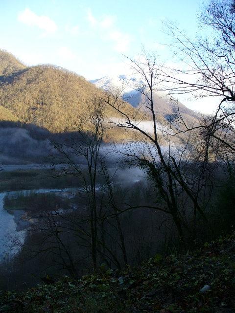 10. Вид на долину реки Шахе с дороги