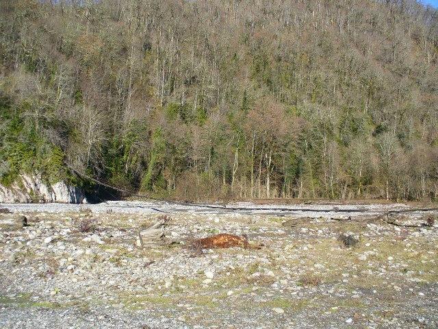 15. Подвесной мост через реку Шахе в районе села Бзогу