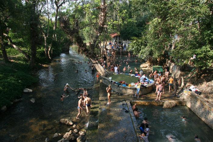 родоновые источники в провинции Канчанабури