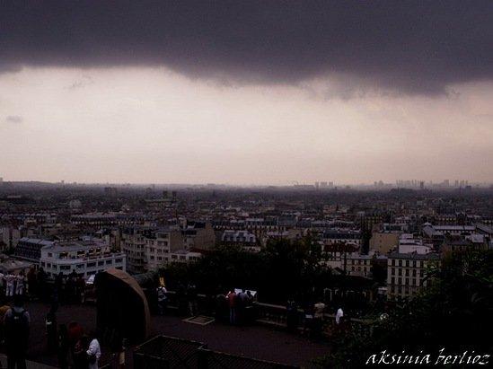 гроза над Парижем