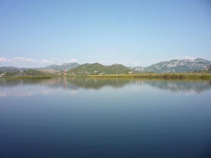 Скадарское озеро на повороте к реке