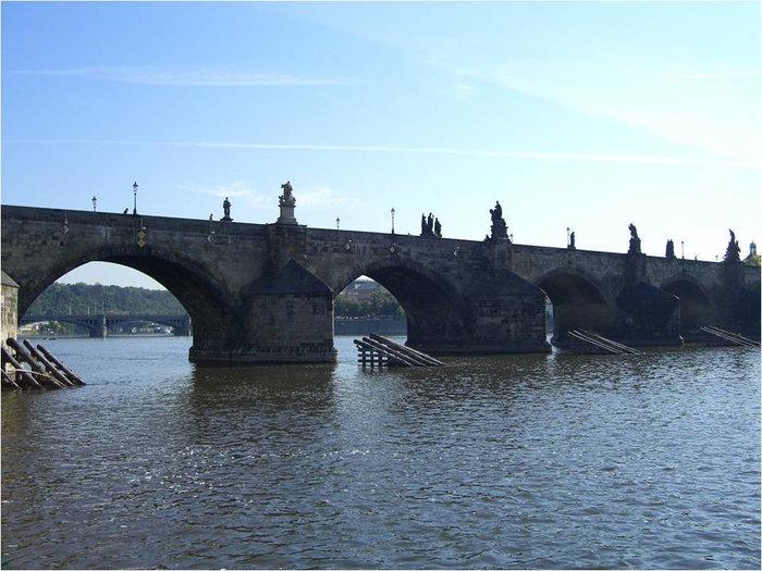 Вид на Карлов мост с острова Кампа