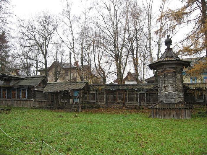 Этнографический музейный комплекс под открытым небом занимает целый квартал города