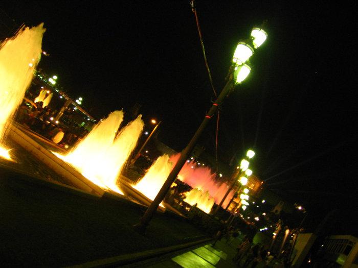 По дороге к фонтану